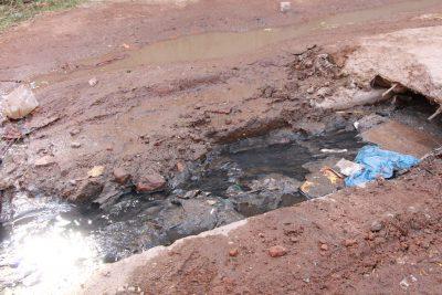 インドスジャータ村の排水溝問題